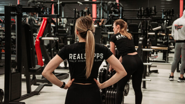 T shirt vrouw2 scaled high-end supps