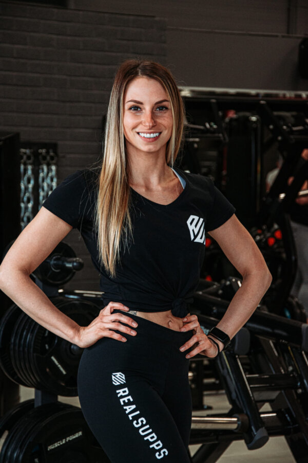 T shirt vrouw3 scaled high-end supps